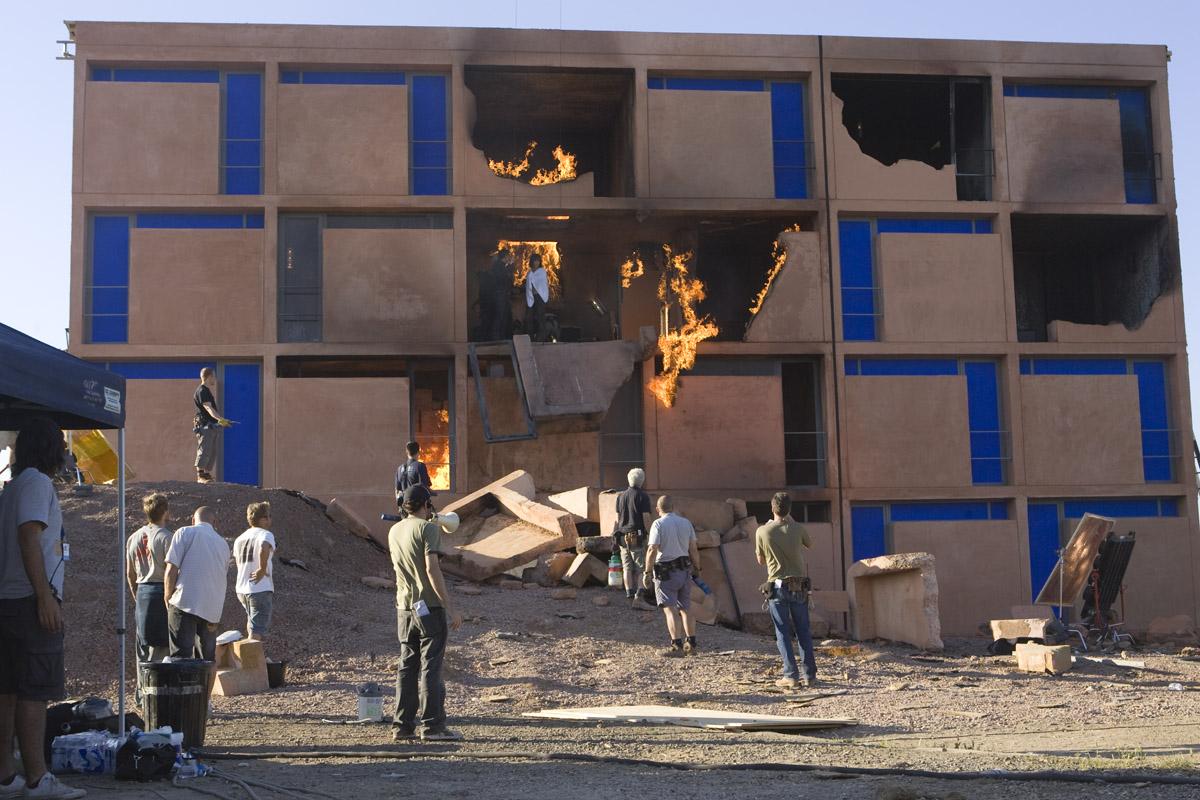 http://www.fxguide.com/wp-content/uploads/2010/10/08Nov/bond2/building_side.jpg