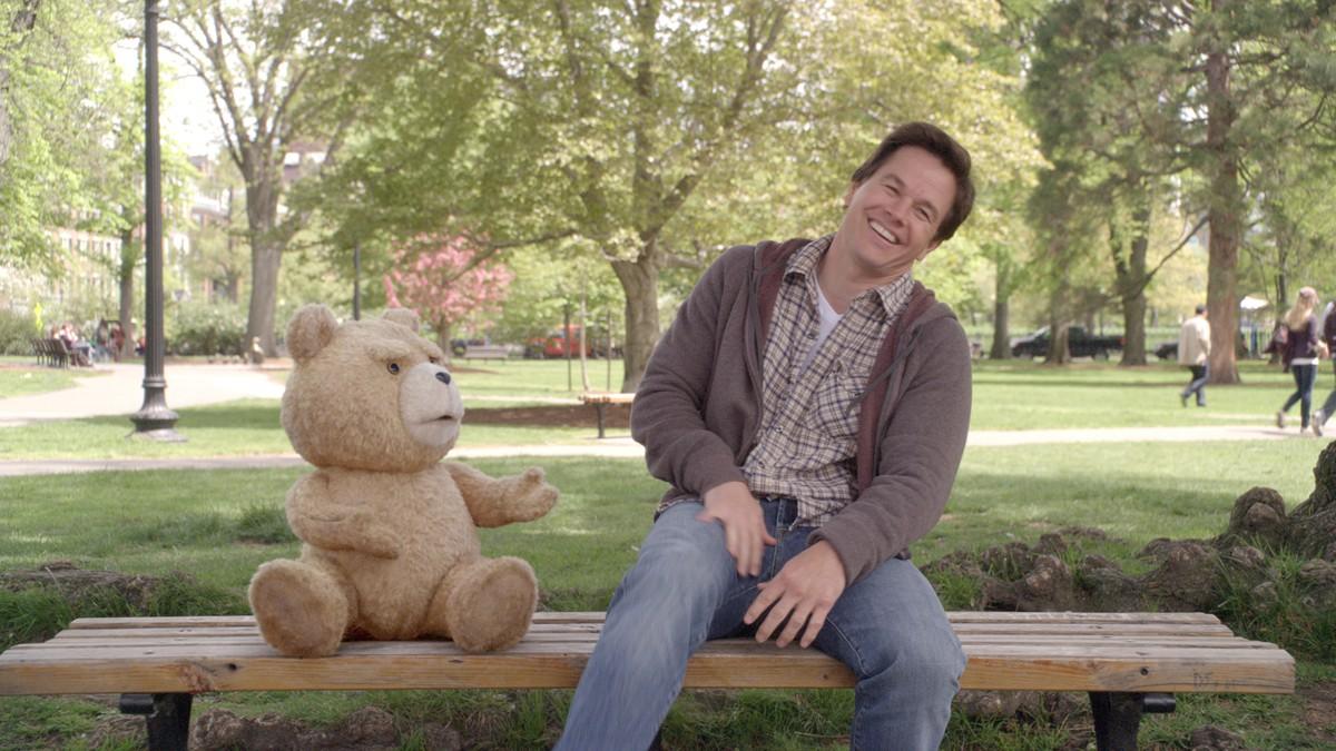 Naughty bear fucking a guy