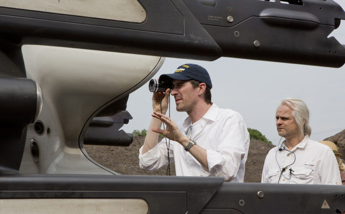 Director Joseph Kosinski and DOP Claudio Miranda, ASC on the set of Oblivion.