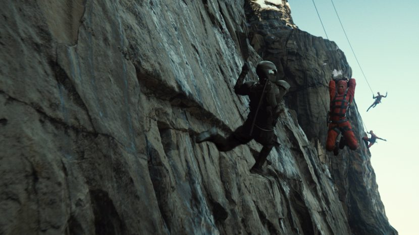Ray Park plays Snake Eyes (left) against Ninjas in the cliff battle.