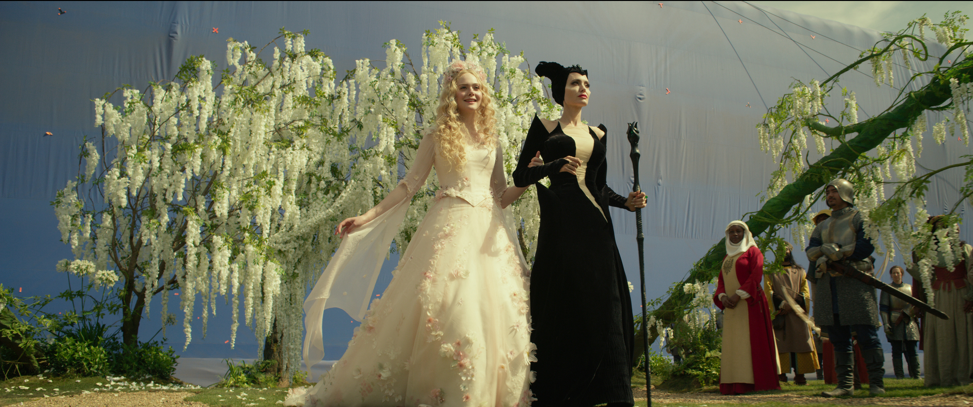 Maleficent Mistress Of Evil At Mill Film Part 2 Updated Pics Fxguide,Boat Neck Sheath Wedding Dress